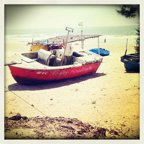 If I had a boat this is exactly what I would call it. Beach Boats Funny