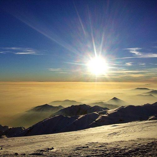 Iran Tehran Teheran Tochal tochalpeak mountain berg climbing hiking top mountaintop view , air pollution smog winter sonnenuntergang gebirge natur snow schnee تهران توچال کوه کوهنوردی دود آلودگی هوا