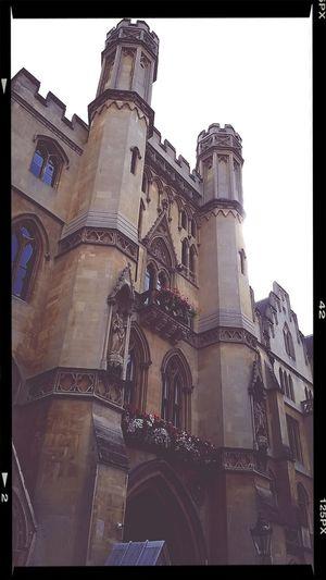 Where sir john harvard lies the harvard university founder. Trivia Visiting London