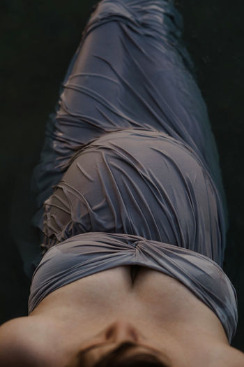 Midsection of woman