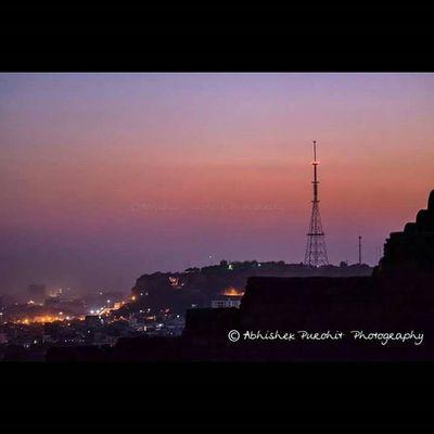 Eiffel tower of jodhpur in the colours of dusk Jodhpur Travel Concept Jodhpuri Randomness Photographie  Rajasthan Like4like Igersjodhpur Instajaipur Gioneeshutterbugs Instaudaipur Jodhpur_shotout Instam Tower Dusk Sky Landscape