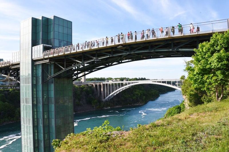 Niagara falls view point, I had a great view up there. Hanging Out Bridge View Point Elevated View Water Flowing Niagara Falls Sky Tourism Touristic USA View From Above Waterfalls
