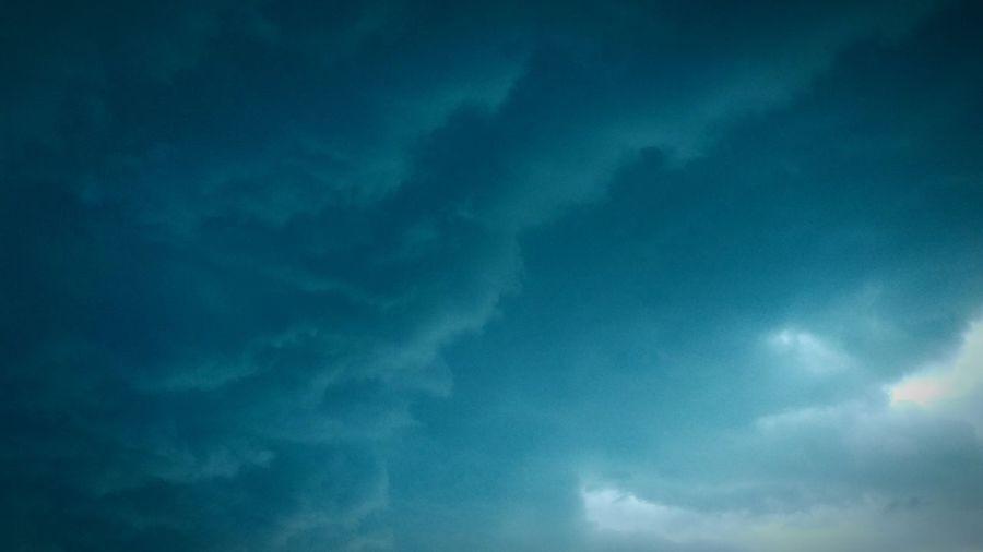 When a storm rolls in. Thunderstorm Rain Thunder Lightening Bestweather Texasthunder