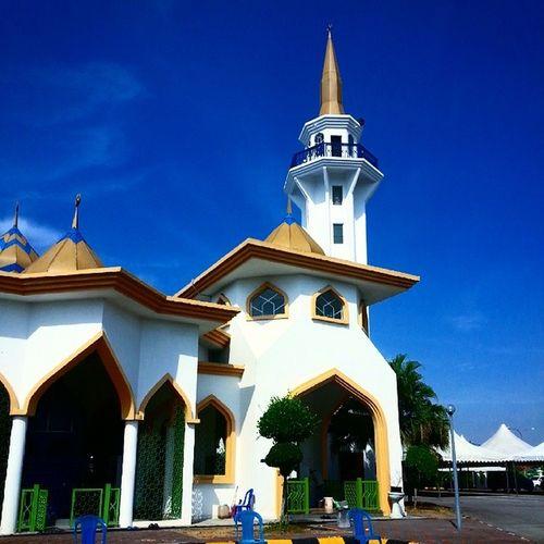 Mahabbah Ramadhan PERODUA 2014 - bersama Masjid Nurul Iman SERENDAH.. inilah rezeki yg dikongsikan bersama...alhamdulillah. Masjid Sukarelawan Berkerjasama Buburlambuk ramadhan mahabbah perodua 2014 ig_malaysia_ ig igersmy building