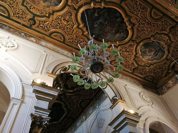 Low Angle View Ceiling Architecture Built Structure Religion Belief Indoors  Place Of Worship No People Ornate Spirituality Building Art And Craft Design Pattern Craft Mural Architectural Column Architecture And Art Cupola Carving Floral Pattern Lampadario  Duomo Di Amalfi Soffitto A Cassettoni