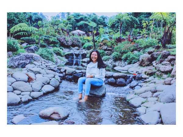 what's the best medicine in life?, you asked. Laugh, I answered.. Laughing Laugh Girls Pond Nature Enjoying Life Hello World Relaxing Water Humaninterestphotography Humaninterest Lady Green Scenery Landscape INDONESIA Bandung