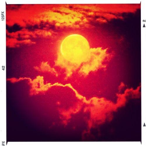 Breaking dawn,The moon in bangalore. Sky Porn EyeEm Best Shots Frame It! EyeEm Best Edits