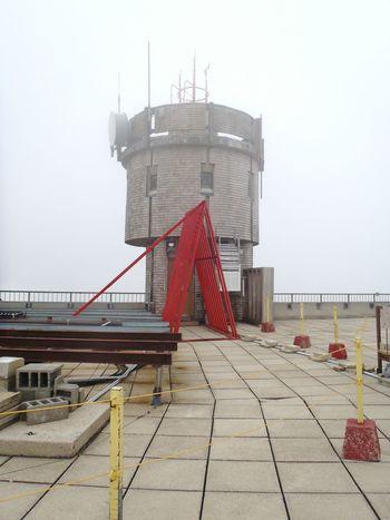 Mount Washington Observatory, New Hanpshire Mount Washington  Observatory In The Clouds Mountain Summit Mountain Top White Mountains
