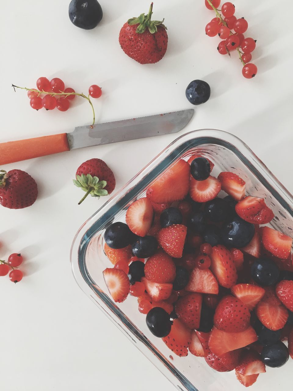 strawberry, fruit, food and drink, freshness, sweet food, food, berry fruit, temptation, raspberry, dessert, indulgence, indoors, still life, high angle view, blueberry, berry, no people, red, directly above, ready-to-eat, cake, unhealthy eating, bowl, close-up, white background, day