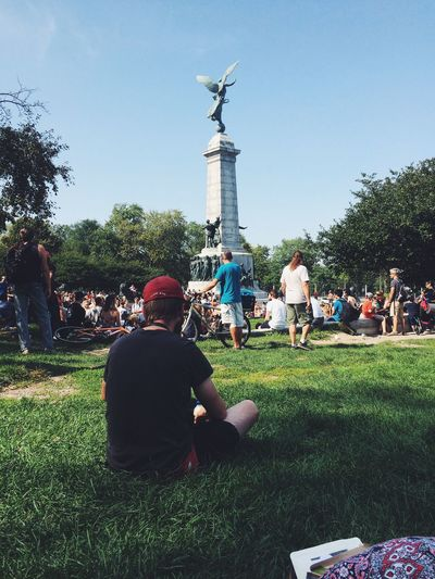 People And Places Grass Person Sitting Men Leisure Activity Large Group Of People Clear Sky Relaxation Park - Man Made Space Outdoors Green Color Day Memories Parc Jeanne-mance Snap a Stranger Enjoy The New Normal