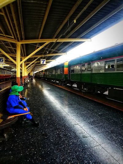 Transportation Train - Vehicle BestEyeemShots Working Loverofphotography Bkk Thailand Real Life Photography Street Life Hello World! Bestmoment Noapplication Nutural Ligth Maid In Train Station