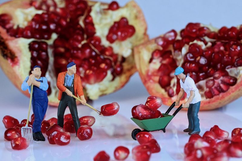 Food Still Life Food And Drink Indoors  Fruit Freshness Table No People Figurine  Healthy Eating Close-up Sweet Food Berry Fruit Red Representation Focus On Foreground Male Likeness Sweet Cherry Art And Craft The Minimalist - 2019 EyeEm Awards The Minimalist - 2019 EyeEm Awards