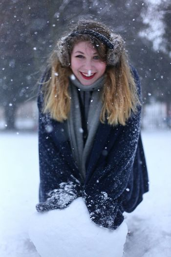 Winter Blonde Blue Blue Color Warm Clothing Snowflake Blond Hair Young Women Snowing Snow Portrait Smiling Cold Temperature Beautiful Woman Snowball Mitten Powder Snow Deep Snow