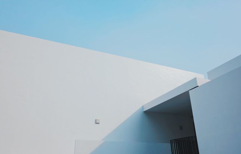 Built Structure Architecture Building Exterior Day No People Outdoors Low Angle View Whitewashed Clear Sky Blue Modern Nature Sky Modern Architecture Light And Shadow Clean EyeEm Best Shots Minimal Minimalist Architecture Entrance The Graphic City