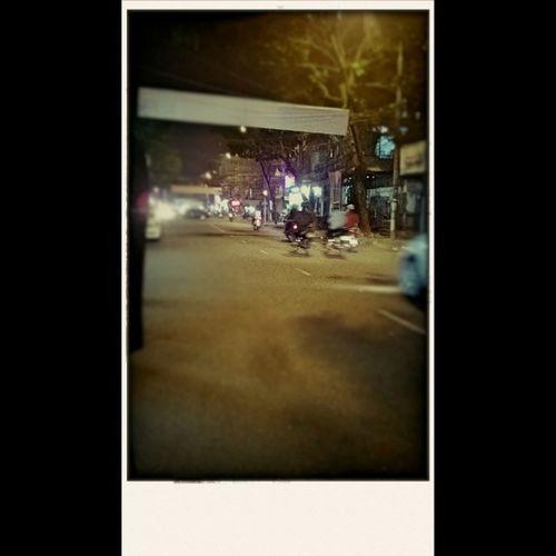 Ước gì có thể đứng giữa đường mà chụp... Street Danangcity Feelingsad Gone