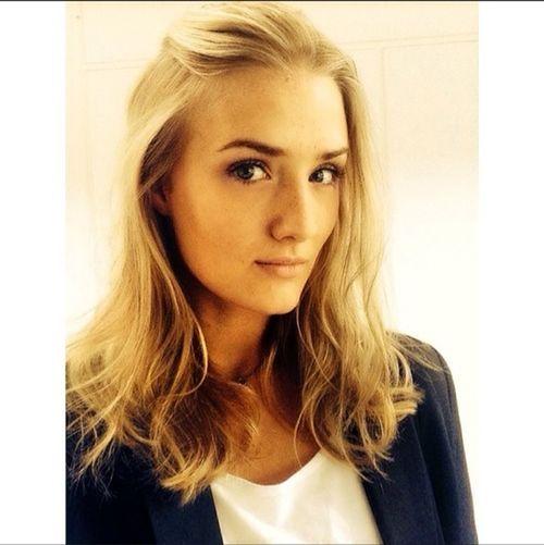 Dyed my hair Dark Blonde Swedish Girl Change Hello World