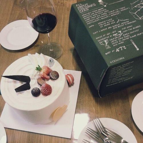 케이스도 센스돋고 맛도 좋고?✌  시오코나  생크림케이크 Cake Ciocona
