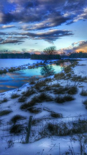 Cold Sunset... Mainephotographer Mainephotography NewEnglandWinter Newenglandphotographer New England Winter Cold Temperature Snowscape Maine Winter Maine Scenery Maine-The Way Life Should Be New England's Endless Beauty!