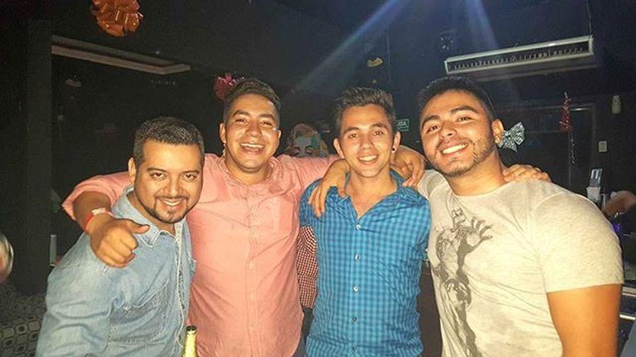Ya hera tiempo de reunirnos hermanos 😊👏 Viernesdeparranda