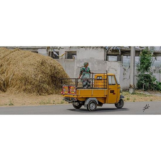 India Hyderabad Work Incredibleindia MyIndia Worker Thecitythatalwayssleeps Photography Photo Photooftheday Follow Instagood Instagram Instagramhub Insta Inst Learningdaybyday Edit MyIndia Incredibleindia Incredibleindiaofficial Auto TukTuk Convertible Openair enjoyingtheride life hardwork 3wheeler
