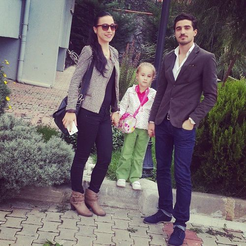 My Brother and Sister Artis  model tarz fark :) isra ile gezmelerdeyiz :)