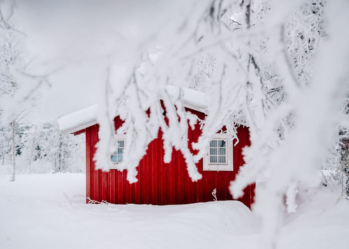 little red cabin in snow woods Cabin In The Woods Cabin Red EyeEm Selects Snow Snowflake Cold Temperature Winter Snowing Frozen Built Structure Snowcapped Mountain Deep Snow Residential Structure Mountain Range Whitewashed Icicle Iceberg Winter Coat Frost Powder Snow Ski Lift Extreme Weather Zermatt Verbier Ski Track Frozen Lake Ice Crystal