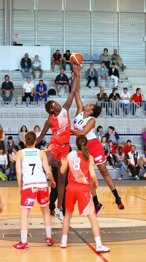 Basketball Woman Sport Feminin