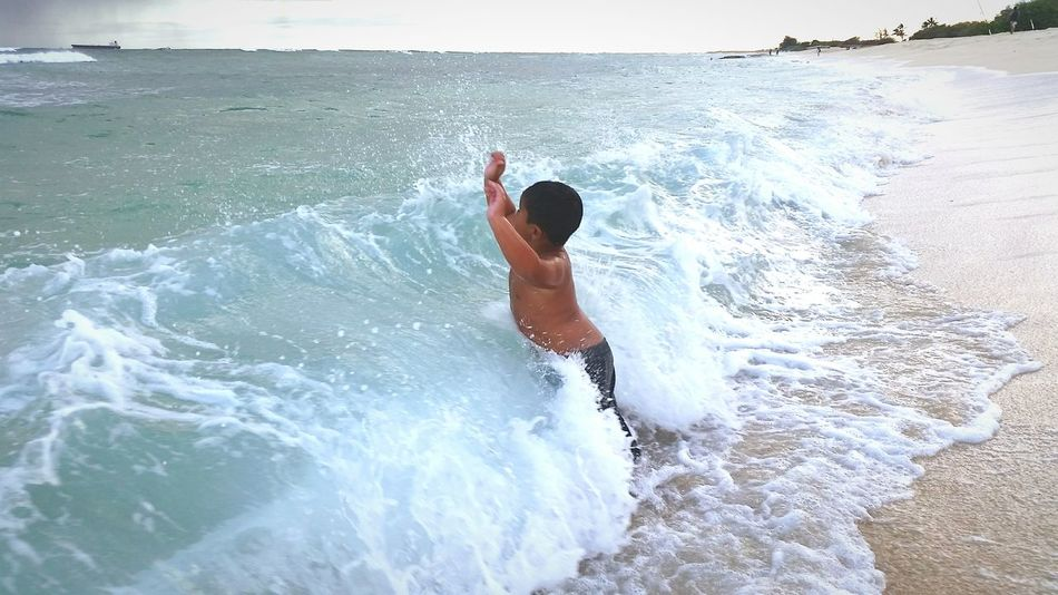 Kids Being Kids Kids Playing People Swimming Ocean❤ Waves Crashing Sandy Beach Hawaiilife Polynesians Thrills