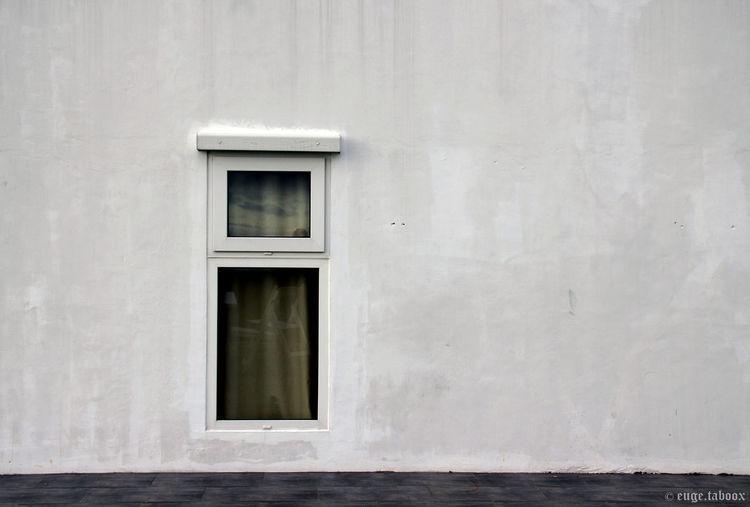 #ALONE! #everythingwhite #minimalism #minimal #monochrome #minimalist #Single #White #Window @single