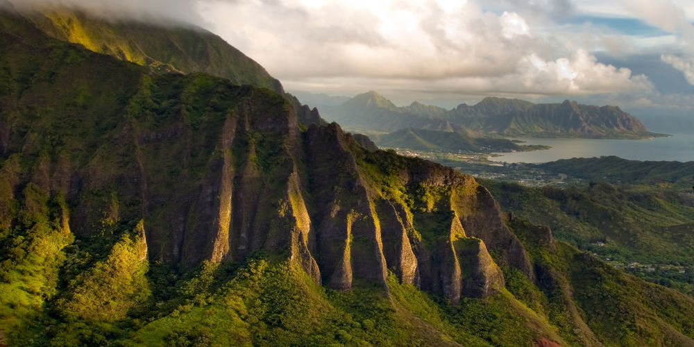 Nu'uanu Pali, Hawaii Hawaii Kaneohe Bay Lookout Postcard Rock Rugged Stairs Adventure Beauty In Nature Deadman's Catwalk Landmark Landscape Lush Foliage Mountain Nature No People Nuuanu Outdoors Pali Scenics Stairway To Heaven Tranquil Scene Tranquility Valley Windward