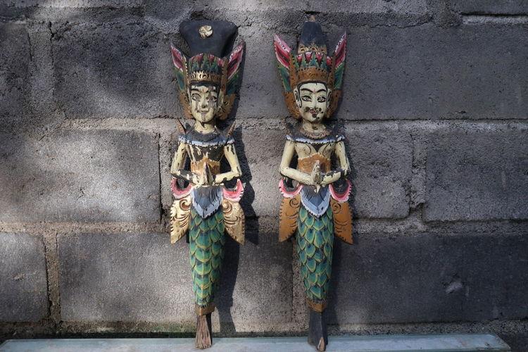 Statue Colors