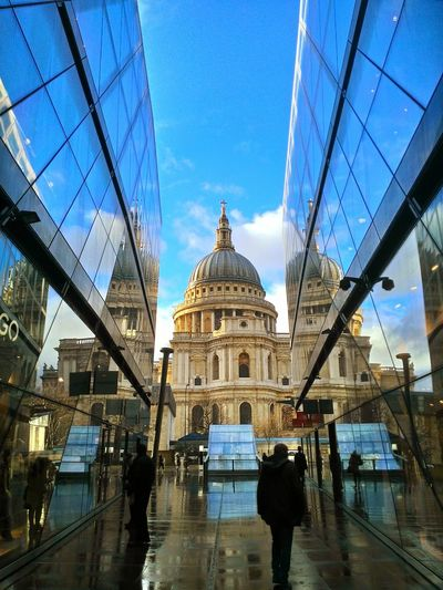 London St. Paul's Cathedral Street Of London  Blue Sky Raining Rain Wet THE NORTH FACE Glesses After Rain