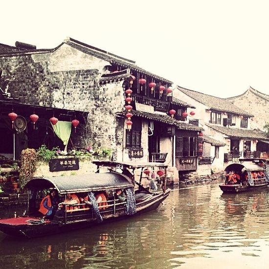西塘 嘉兴Jiaxing  浙江zhejiangwaterboatpeopletouristlanterntiletraditionalChinaChinesepainting