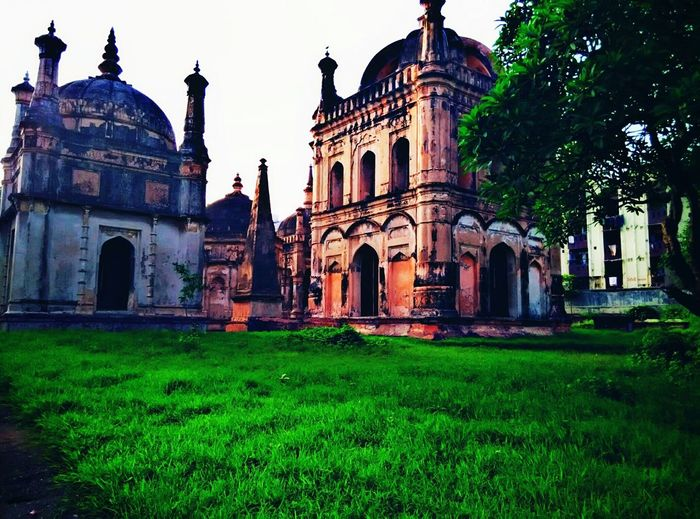 Building Exterior Built Structure Spirituality Architecture Religion Place Of Worship Religion Church Religion Cathedral Grass Façade Outdoors History Lawn Sky Green Color Day Entrance Dome First Eyeem Photo