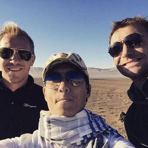 They were to be photo bumbs, but made a proper selfie. Topgear