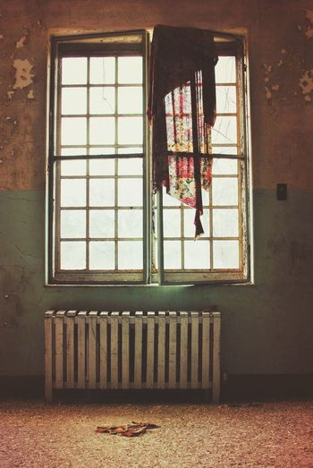 The loneliness of the soul in it's appalling self-consciousness is horrible and overpowering. ~Sylvia Plath Abandonedasylum Abandoned Places Window Vintage Curtains Asylum EyeEm_abandonment Abandoned Buildings Loneliness Pastel Power