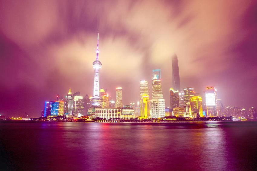Shanghai bund of the huangpu river Long Exposure Nightphotography Financialcentre
