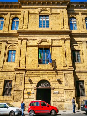 Accademia Delle Belle Arti Palermo Sicily Italy Travel Photography Travel Voyage Traveling Mobile Photography Fine Art Architecture Historical Buildings Giallo A Palermo Tutti I Particolari In Cronaca Palermo Mellow Yellow
