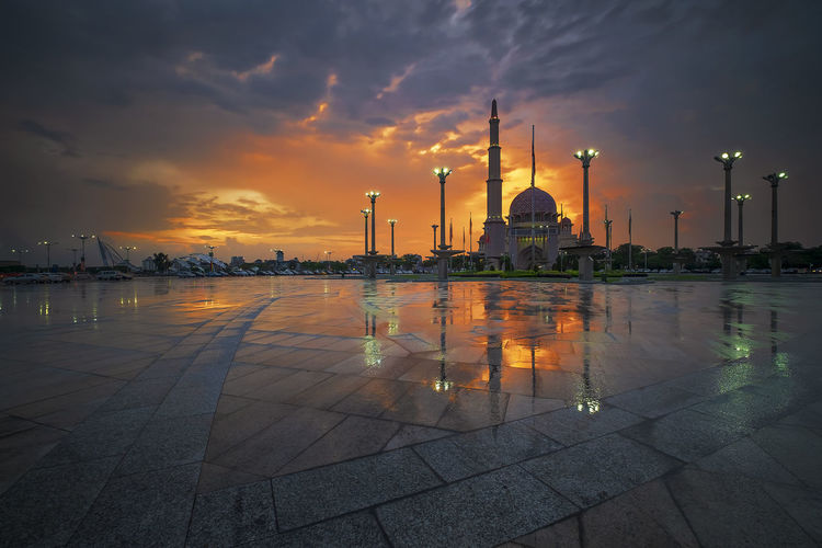 Sunset moment with reflection from the puddle in front of Masjid Putrajaya, Putrajaya Malaysia Rainy Days Reflection Architecture Building Building Exterior Built Structure Cloud - Sky Factory Illuminated Industry Islamic Architecture Malaysia Malaysia Scenery Nature No People Orange Color Outdoors Place Of Worship Reflection Reflections In The Water Sky Sunset Water Waterfront