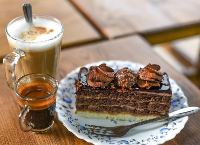 Foodphotography Food Nikonphotography Nikon Frothy Drink Drink Dessert Latte Plate Cake Coffee - Drink Table SLICE Slice Of Cake Chocolate Cake Whipped