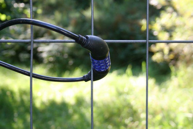 Fahrradschloss Gitter Abgeschlossen Einbruchschutz Metal No People Ringschloss Schutz Zahlenschloss