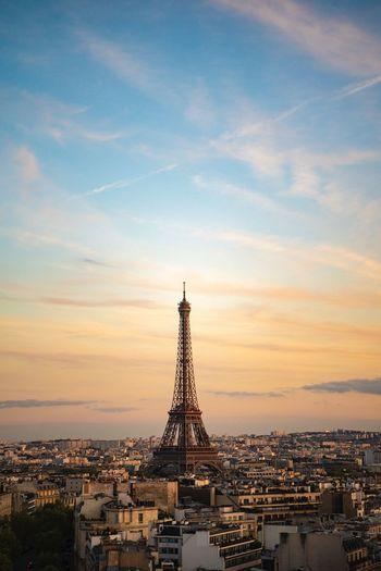 Paris as it is. Everyday. Tour Eiffel Eiffel Tower Paris Architecture Built Structure Building Exterior Sky City Sunset Travel Destinations Travel Summer Exploratorium #FREIHEITBERLIN The Architect - 2018 EyeEm Awards