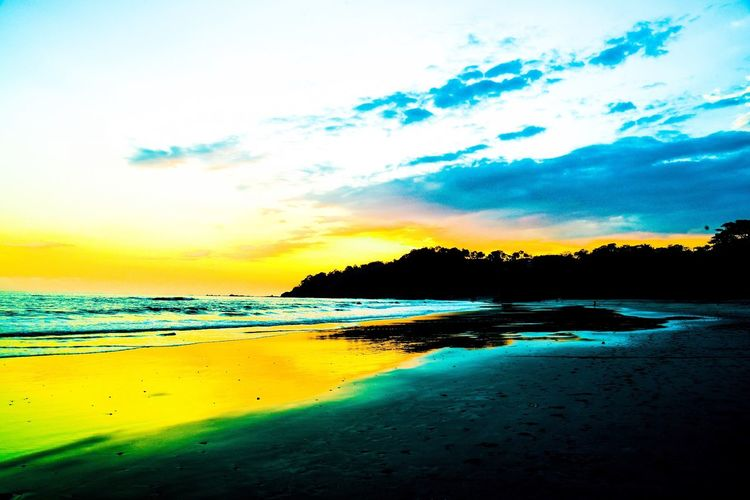 Sunset Playa Manuel Antonio Costa Rica Beaches Beach Beach Photography Sunset #sun #clouds #skylovers #sky #nature #beautifulinnature #naturalbeauty #photography #landscape