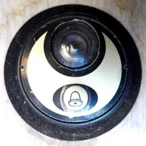 Close-up No People Outdoors Day Doorbell Door Bell Edited By @wolfzuachis On Market Wolfzuachiv Huaweiphotography Showcase: 2017 Veronica Ionita Veronicaionita Eyeem Market @WOLFZUACHiV Ionitaveronica Showcase: March Wolfzuachis Circular Bell Design Bell EyeEmNewHere Peep Hole