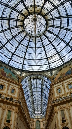 In Milan , Italy 🇮🇹 Architecture Magic Amazing Monument Galleria Vittorio Emanuele Gallery