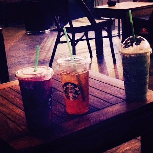 Algo refrescante a lado de tu familia Starbucks Coffee Plaza Las Americas Brothers Friogostoso Pasatiempo