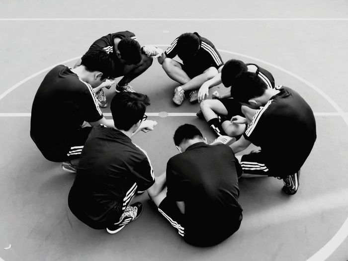 Start it with your pray and do it with teamwork Black And White Futsal Prayer Pray Team Work Face It!