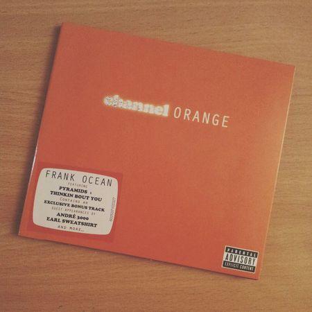 Une tornade a volé autour de ma chambre avant que tu viennes, excuse le désordre que cela a fait, il ne pleut pas souvent en Californie du sud, un peu comme l'Arizona Mes yeux ne pleure pas, mais, meuf, ils hurlent! i've been thinking about you..Frank Ocean Channel Orange Music Best