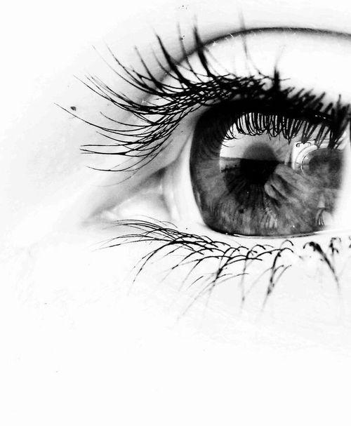 Eye Black Black & White Life Photo Photo Of The Day Hi! Check This Out Hello World Hanging Out Pholosphy Photo♡ Graphic Heinola Enjoying Life
