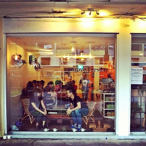 Small and vibrant little café that I would to go for a lazy afternoon! Burpple Shrovetuesday Toapayoh Shrovetuesday_sg